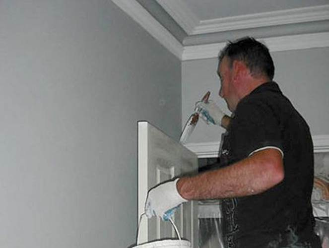 How to clean uPVC window frames from dirt and mould