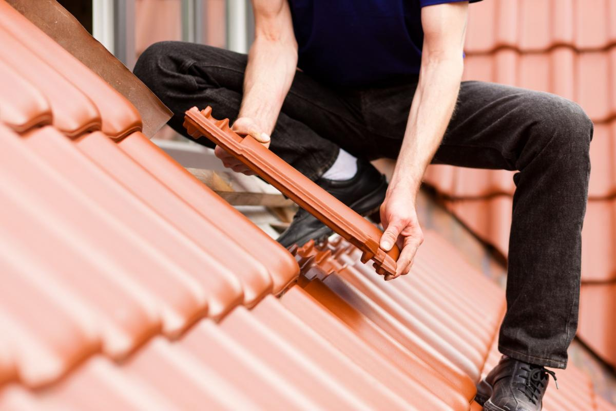 All steps description of how to replace a roof tile