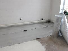 Insulate the floor with izolon