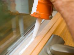 How to caulk a window