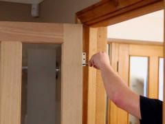 How to hang a new interior door