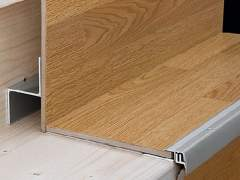 Using the profile finishing stairs laminate