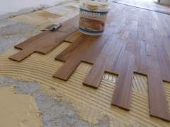 Laying flooring on a special adhesive