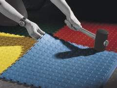 Installation of the rubber flooring with your own hands