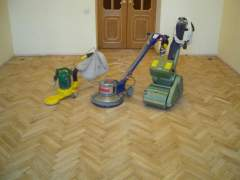 Scraping machine is used to replace the flooring