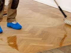 Primed parquet floor
