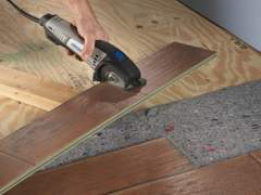 Cut the right amount of laminate flooring before laying