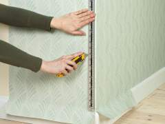 Wallpapering corners and around them with your own hands